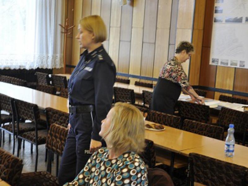 Raport diagnostyczny problemów alkoholowych, narkomanii i przemocy w Grajewie!
